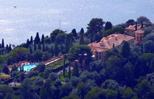 Villa Leopolda - Villefranche-sur-mer, França. A mansão de 20 hectares, construída pelo Rei Leopoldo II para uma de suas amantes, foi avaliada em US$ 750 milhões em 2008