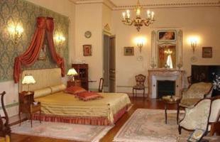 Alguns castelos na Europa são até mais baratos que imóveis no Rio de Janeiro. Na foto, este castelo em Viena, de 800 m², é vendido por R$ 5.760.000, enquanto uma casa de 526 m², em São Conrado, está anunciada por  R$ 6.000.000