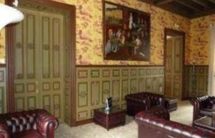 Alguns castelos na Europa são até mais baratos que imóveis no Rio de Janeiro. Na foto, este castelo em Touraine, na França, vale R$ 8.350. 530, menos que uma casa em São Conrado, vendida por  R$ 8,5 milhões