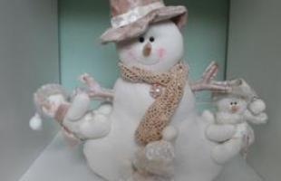 A Aluízio Casa, loja de decoração que funciona no bairro Santa Tereza, em BH, está repleta de enfeites natalinos que agradam os mais variados perfis. Clientes podem aproveitar promoção especial até o Natal