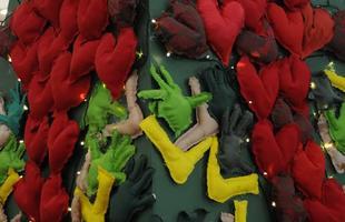 Shopping de BH tem mostra de árvores de Natal com a cara tropical do Brasil. Concurso do Minascasa homenageia artistas da cultura popular, bonecas de cerâmica do Vale do Jequitinhonha, arte marajoara e a natureza