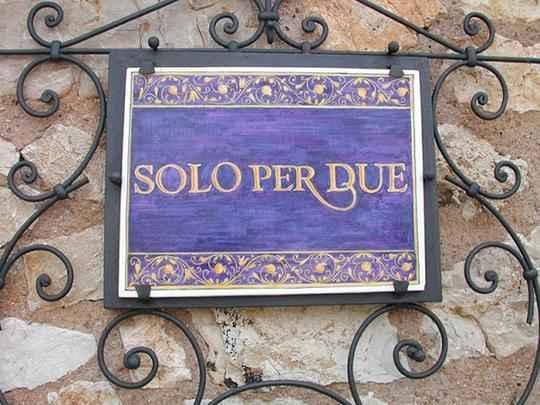 Menor restaurante da Terra é cenário perfeito para o encontro apaixonado. Espaço na Itália tem apenas dois lugares e serviço exclusivo de alto luxo