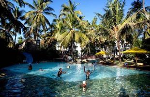 Série de imagens dá novos significados a piscinas incríveis pelo mundo. Desde 2008, a artista Marieke van der Velden registra piscinas em várias regiões como forma de chegar a reflexões complexas, muito além do sentido comum que se confere a elas. Na foto, Mombasa, Quênia