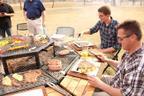JAG Grill (Mesa-grill permite que o churrasqueiro curta a festa enquanto prepara a carne)