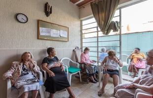 Projeto Decór Solidário lança a primeira edição com a revitalização do Lar das Idosas Santa Teresa e Santa Terezinha, em BH. A ideia é mostrar o poder transformador da decoração para melhorar a vida das pessoas. Na foto, o lar antes da reforma