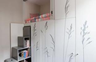 Com apenas 8 m², apartamento 'canivete suíço' tem cômodos em compartimentos