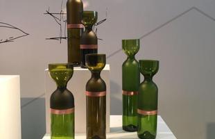 Coleção Gargalos, design Brunno Jahara e Patricia Bagniewski, na mostra Be Brasil