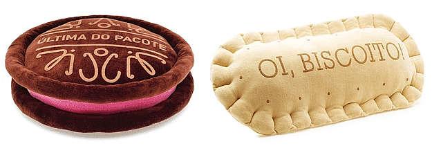 Em formato de biscoito recheado (R$ 79,90) e em formato de bolacha maisena (R$ 69,90). Na loja Imaginarium  (Divulgação)