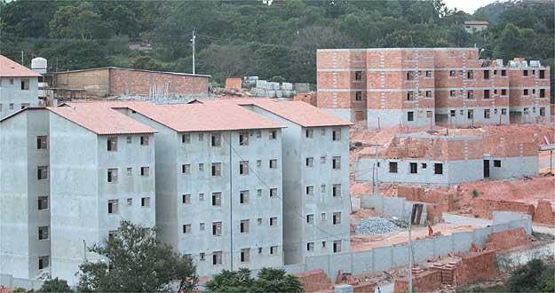 Obras do programa Minha Casa Minha vida no bairro PTB em Betim  (Moises Silva/EM/D.A Press)