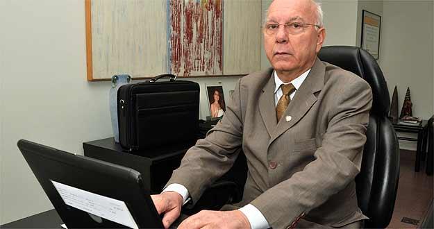 Paulo Tavares, presidente do Creci-Minas, aconselha pesquisar em sites de imobiliárias (Eduardo Almeida/RA Studio)