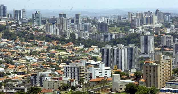 Prédios em BH: previsão do mercado é de que preços continuem em alta (Maria Tereza Correia/EM/D.A Press)