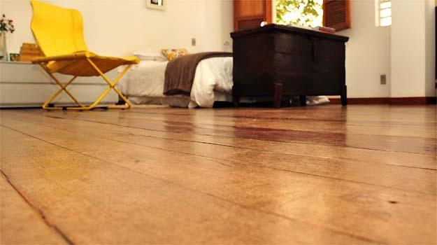 Dependendo do material usado, especialistas dizem que é possível revitalizar ou reparar o revestimento, o que ajuda a prolongar a vida útil da instalação - Fotos: Eduardo Almeida/RA Studio
