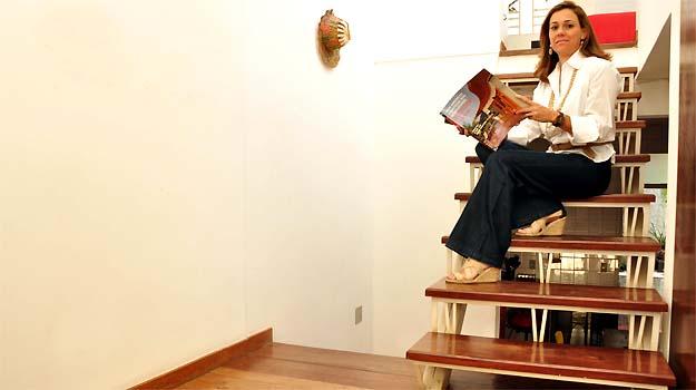 Para a arquiteta Patrícia Guerra, cuidar da manutenção é o segredo para ter pisos de madeira bonitos por mais tempo -