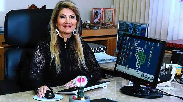 Diretora da Triunfo Corretora e Administradora de Seguros, Carmen Ribeiro lembra que o cliente ainda concorre a pr�mios todos os meses - Euller J�nior/EM/D.A Press