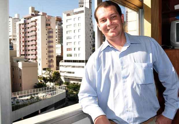 O consultor de vendas Bruno Beleza Beltr�o ganhou dois apartamentos, uma loja e um carro zero na troca de um terreno que pertencia a seu pai (Eduardo de Almeida/RA studio)