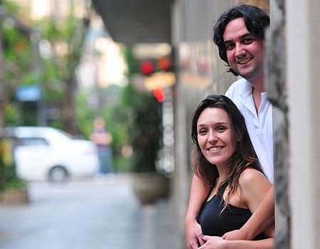 Para Igor Nesralla e sua noiva, Juliana Fajardo, a localização e o preço foram decisivos na compra de um apartamento na Zona Sul   (Alexandre Guzanshe/EM/D.A Press)