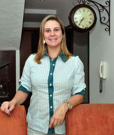 A bancária Adriana Horta fez uma pesquisa sobre a construtora antes de comprar o apartamento (Eduardo de Almeida / RA Studio)
