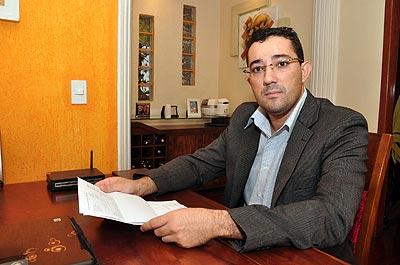 O psicólogo Eduardo Vasconcelos comemora o fato de ter encontrado a casa que queria, em menos de um mês, por um bom preço  (Eduardo Almeida/RA Studio)