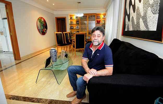 O comerciante Dirceu Cecílio preferiu um apartamento de alto padrão no Bairro Cidade Nova   (Beto Magalhães/EM/D.A Press)
