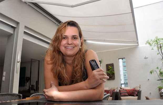 Para a arquiteta Flávia Soares, a automação do acionamento dos toldos é a maior tendência nesse tipo de produto  - Eduardo Almeida/RA Studio