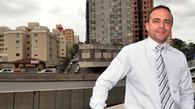 Diretor administrativo da GR Condomínios, Guilherme Gonçalves diz que condomínio não é obrigado a modificar estrutura para oferecer serviços (Eduardo de Almeida/RA Studio)