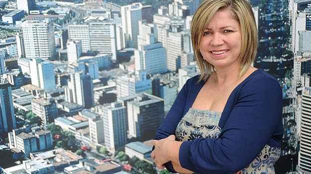 Célia Souza Marinho, da D-Filippo Netimóveis, se dedicou para ganhar experiência. Entrou na faculdade para estudar gestão de negócios imobiliários e contribuir para uma melhor negociação   (Leandro Couri/EM/D.A Press)