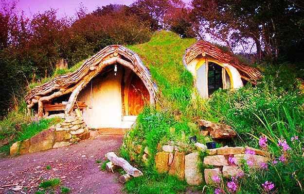Esta casa, onde o arquiteto já viveu com a família no País de Gales, serviu de inspiração para o projeto (Simon Dale/Divulgação)
