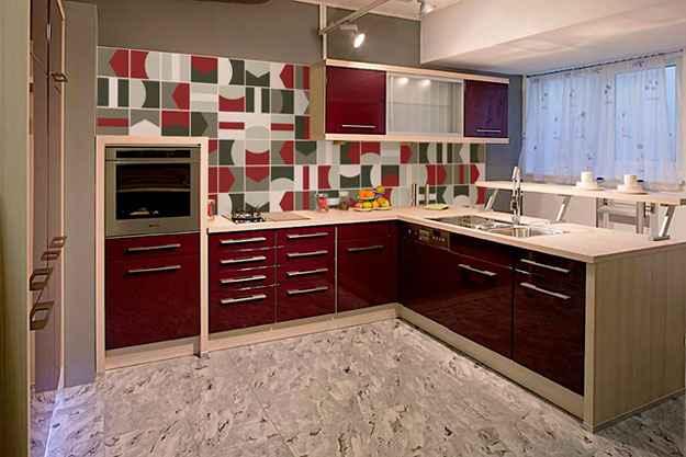 A criatividade também é uma grande aliada para montar o mural decorativo, que além do efeito estético, oferece as vantagens da cerâmica hidráulica - Divulgação/Emme Due