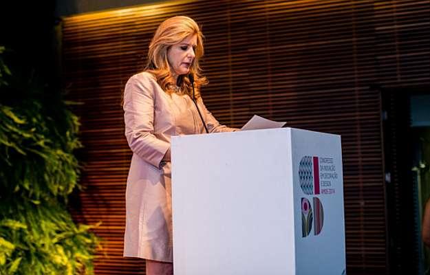 Laura Rabe parabenizou os designers e os diversos envolvidos no evento da Amide (Barbara Dutra/Divulgação )