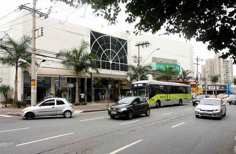 Um dos destaques do bairro é o Shopping Paragem, constantemente citado como se estivesse localizado no Bairro Buritis - Edésio Ferreira/EM/D.A Press