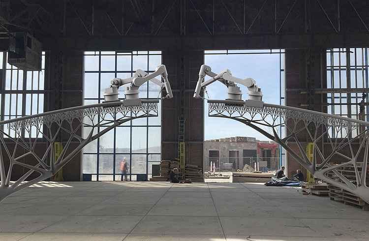 A empresa irá equipar os vários eixos de robôs industriais para a obra - Joris Laarman/MX3D/Divulgação