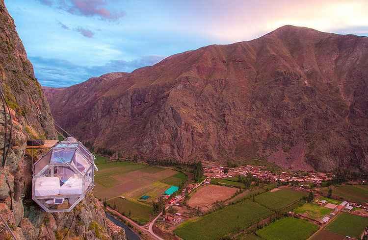Hotel no Peru tem quartos transparentes suspensos a 400 metros de altura