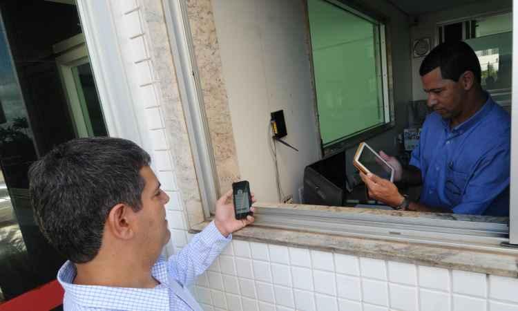 Notificação por celular informa movimentação em casa - Cristina Horta/EM/D.A Press