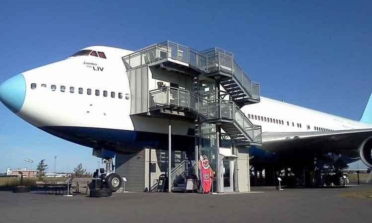 Avião 747 é sede de albergue na Suécia