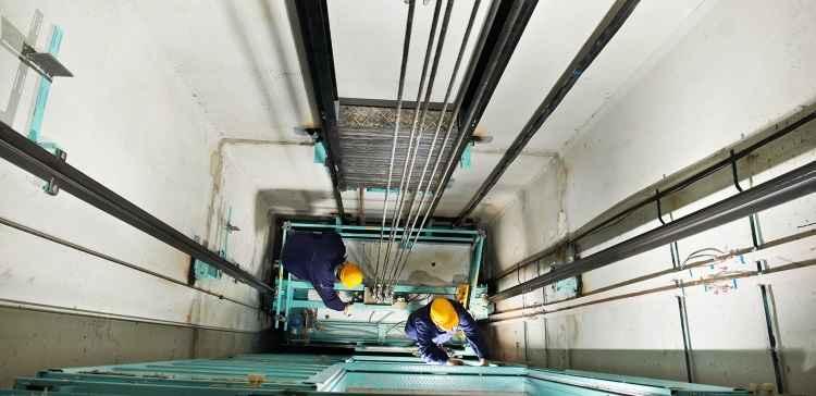 Manutenção preventiva e periódica de elevadores é fundamental para evitar acidente no imóvel