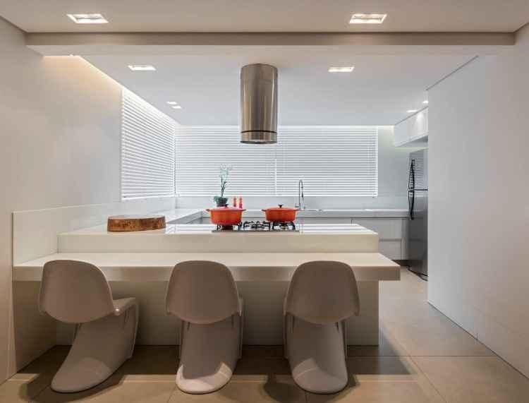 Cozinha total white é tendência entre profissionais de decoração e reconquista admiradores