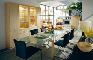De cadeiras bem simples a lustres elaborados, ideias podem ser reaproveitadas com toque brasileiro
