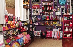 Uso de peças descontraídas na decoração tem sido tendência entre moradores que buscam personalizar a casa. De enfeites a obras de arte, lojas oferecem produtos para todos os bolsos. Na foto, objetos da Fabiano Valente