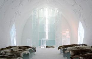 O hotel de gelo é construído desde 1990. Na foto, Icehotel de 2008