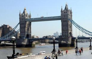 Tower Bridge, em Londres