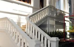 Colunas, vigas e ressaltos aparentes: 'defeitos' podem tornar-se elementos de destaque na decoração