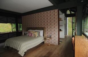 Quarto - No segundo pavimento do imóvel, o quarto da filha de Adriana também foi ampliado na reforma e  ganhou mais espaço no closet e no banheiro