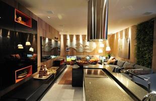 Integração e criatividade fazem parte da decoração do pequeno apartamento que conquista cada vez mais adeptos. Na foto, Loft Gourmet, espaço apresentado por Luciana Savassi na Casa Cor Minas 2012