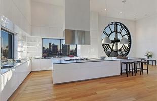 A torre de um relógio antigo em Nova York foi transformada em uma cobertura de luxo avaliada em US$ 18 milhões