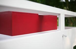 A empresa alemã Best Friend's Home criou casas de cachorro que lembram belas mansões em miniatura. Para quem gosta de cães e design, as casinhas oferecem a oportunidade de levar o bom da arquitetura para esses amigos fiéis. Na foto, o modelo Cubix