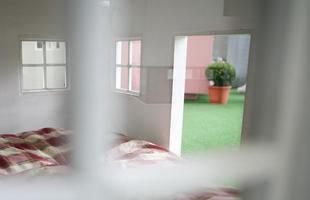A empresa alemã Best Friend's Home criou casas de cachorro que lembram belas mansões em miniatura. Para quem gosta de cães e design, as casinhas oferecem a oportunidade de levar o bom da arquitetura para esses amigos fiéis. Na foto, o modelo  Lönneberga