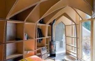 Sustentáveis, casas subterrâneas preservam a paisagem. Na foto, casa Villa-Vals, na Suíça