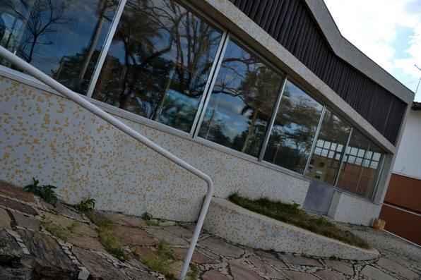 A Casa Kubitschek acaba de ser inaugurada como museu na Pampulha e já está aberta ao público. Imóvel que foi residência de JK e depois de casal de amigos do presidente agora é espaço cultural. Projetada por Niemeyer, edificação teve mobília restaurada