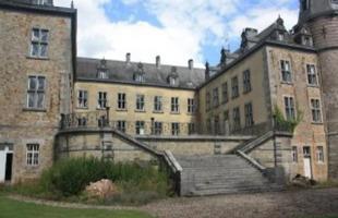 Alguns castelos na Europa são até mais baratos que imóveis no Rio de Janeiro. Na foto, este castelo na Bélgica que tem 45 quartos está anunciado por R$ 11.184.000, enquanto uma casa no bairro nobre carioca do Leblon, com quatro suítes, é avaliada em R$ 11, 5 milhões