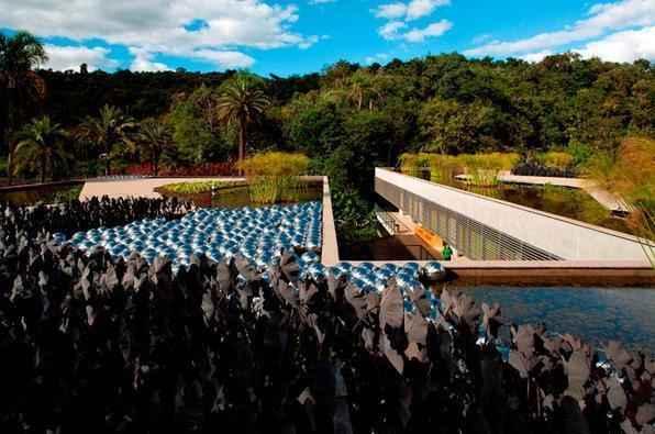 A arquitetura brasileira marca presença em exposição no museu de Frankfurt. Trabalhos de jovens profissionais brasileiros podem ser vistos na cidade alemã até 2014. Na foto, Centro Educativo Burle Marx, projeto do escritório mineiro Arquitetos Associados no Inhotim